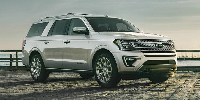 Ford again recalls 300K vans for drive shaft failure