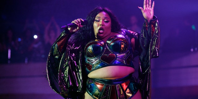 Westlake Legal Group lizzo Lizzo bashes author's claim that she's only popular due to 'obesity epidemic': 'Keep my name out ya mouth' Julius Young fox-news/entertainment/music fox-news/entertainment/events/feud fox-news/entertainment/celebrity-news fox-news/entertainment fox news fnc/entertainment fnc article 6bd603de-d4d7-59a1-908e-28bedad2117d
