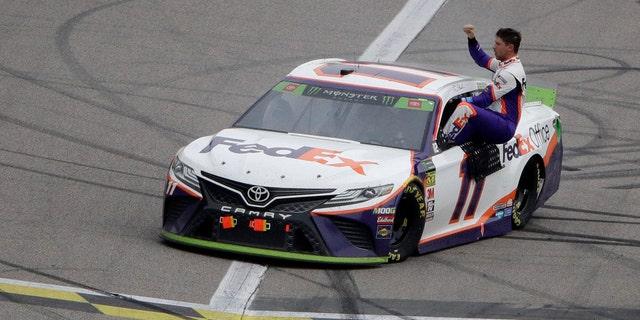 Westlake Legal Group nas2 Hamlin wins Kansas NASCAR race, final eight set fox-news/auto/nascar fox-news/auto/attributes/racing fnc/auto fnc cdc4c6ce-3bf5-56ef-8cb5-848f84dc815c Associated Press article