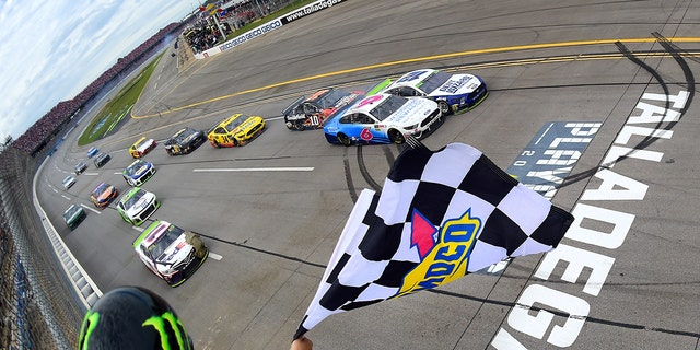 Westlake Legal Group tall1 Blaney wins rain-delayed Talladega NASCAR playoffs race in photo finish fox-news/auto/nascar fox-news/auto/attributes/racing fnc/auto fnc Associated Press article 80d9f8c0-eb4a-5bd6-b63f-e032236a22da