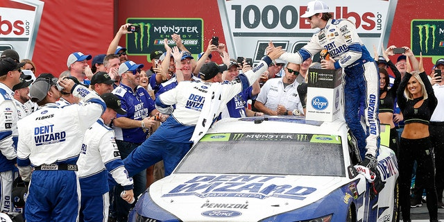 Westlake Legal Group tall2 Blaney wins rain-delayed Talladega NASCAR playoffs race in photo finish fox-news/auto/nascar fox-news/auto/attributes/racing fnc/auto fnc Associated Press article 80d9f8c0-eb4a-5bd6-b63f-e032236a22da