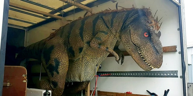 Westlake Legal Group truck Monster truck? Police find T-Rex in back of van SWNS Gregory Kirby and Pete Hughes fox-news/auto/attributes/safety fnc/auto fnc article 9fdcb6ea-233d-568e-b993-af067858e20c