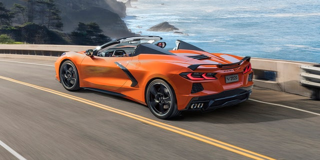 New Chevrolet Corvette Convertible gets folding hardtop