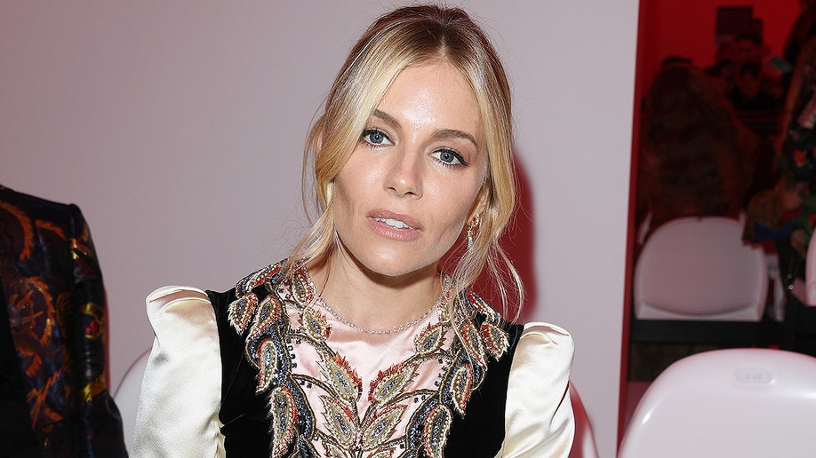 MILAN, ITALY - SEPTEMBER 22: Sienna Miller attends the Gucci show during Milan Fashion Week Spring/Summer 2020 on September 22, 2019 in Milan, Italy. (Photo by Daniele Venturelli/Daniele Venturelli/ Getty Images for Gucci)