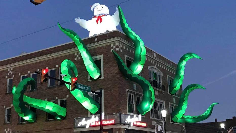 Ghostbusters Halloween Decorations At Pennsylvania