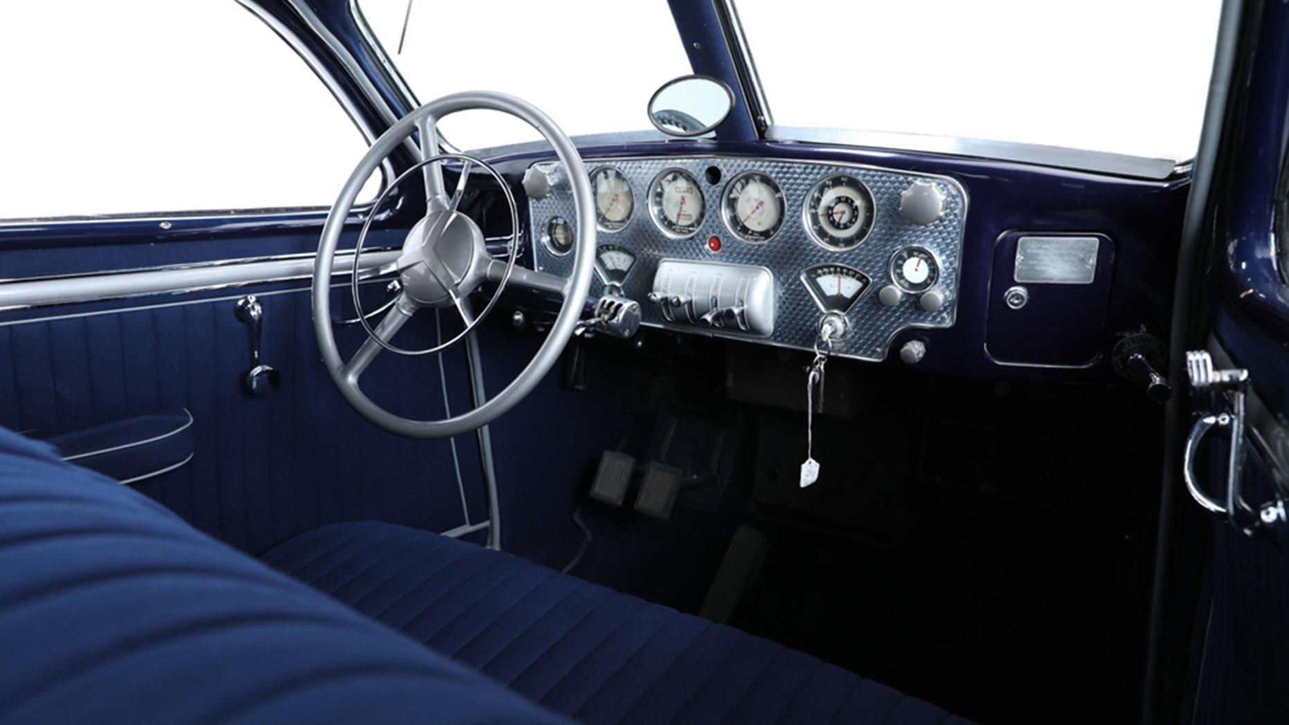 1937 Cord 812 interior