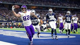 Cook leads Vikings to 28-24 prime-time road win over Cowboys