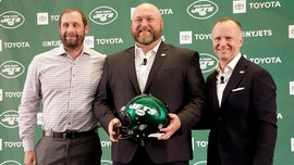 New York Jets GM Joe Douglas helps local restaurant during coronavirus pandemic