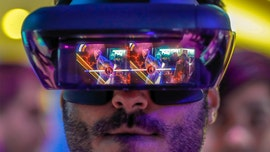Big tech racing to replace smartphones with smart glasses