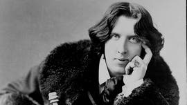Oscar Wilde's stolen ring recovered by 'art detective'