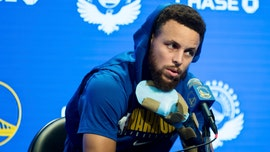 Stephen Curry sets return date after suffering broken hand early in season, report says