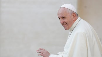 Pope compares politicians who persecute gays, Jews to Hitler