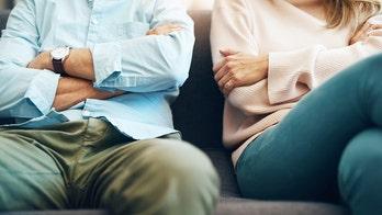 Doctor warns against making 'rash decisions' under coronavirus lockdown as divorce rates spike