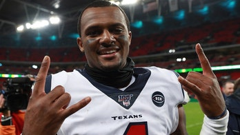 Texans' Deshaun Watson donates $175G in technology to Houston students