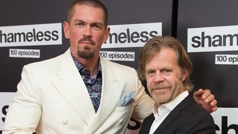 'Shameless' star William H. Macy doesn't bring 'baggage' to work, says co-star Steve Howey