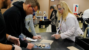 Florida high school first in world to use synthetic frogs for dissection