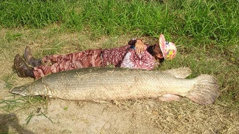 Texas fisherman lands 200-pound alligator gar after 40-minute tussle