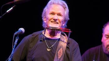 Country music star Kris Kristofferson retires