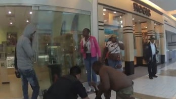 Army recruiters honored after California mall shooting for life-saving actions