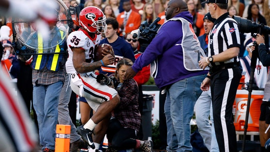 Georgia student-photographer hurt in scary collision with player shares photo she took before tackle