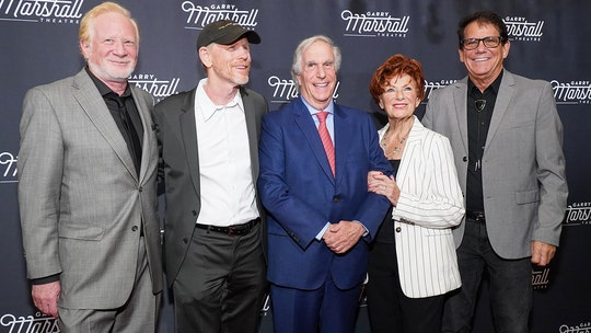 鈥楬appy Days鈥� castmates pay homage to Garry Marshall, sitcom's late creator