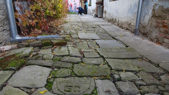 Jewish gravestones used as cobblestones in Prague to be returned to Old Jewish Cemetery