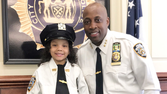 NY girl, 5, who survived suicidal dad's subway jump visits NYPD