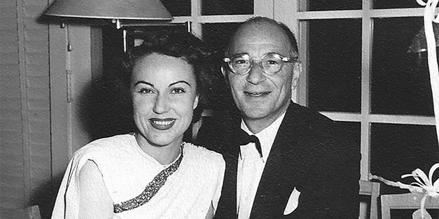Fay Wray and Robert Riskin wrote love letters, which the actress kept until her death.