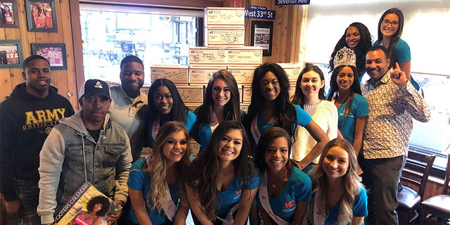 Hooters is encouraging customers to walk into any restaurant where they can buy a calendar for the troops and insert a personalized message. The women will send off the special delivery in time for the holiday season.