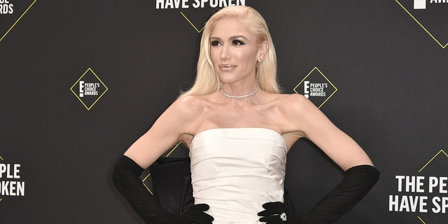 Gwen Stefani attends 2019 E! People's Choice Awards.