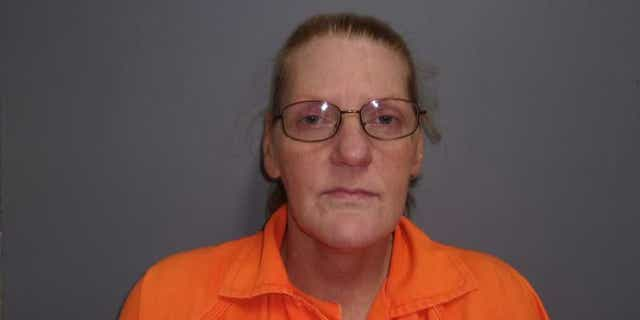 Belina Fondren, 52, allegedly sold fake medical excuse notes to students at Evans High School in Louisiana, according to officials.