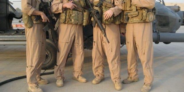 Yonel Dorelis và Airmen đồng nghiệp. (Phép lịch sự của Yonel Dorelis)