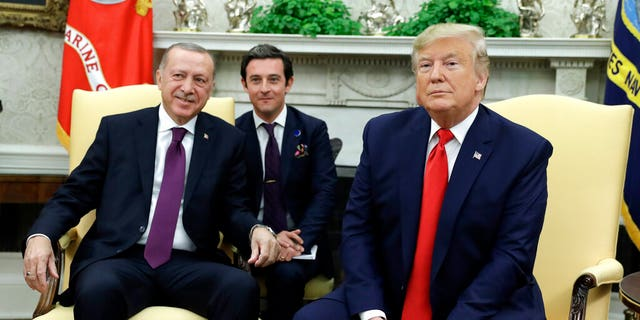 Trump and Erdogan in the Oval Office. (AP Photo/ Evan Vucci)