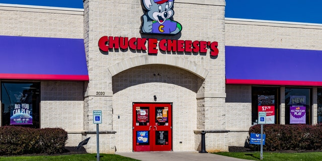 Chuck E. Cheese confirmed that it had launched Pasqually's Pizza and Wings on third-party delivery apps for stores nationwide.