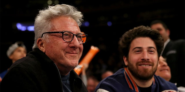 Dustin Hoffman and his son Jacob at a New York Knicks game in 2017.<br> (Photo by Elsa/Getty Images)