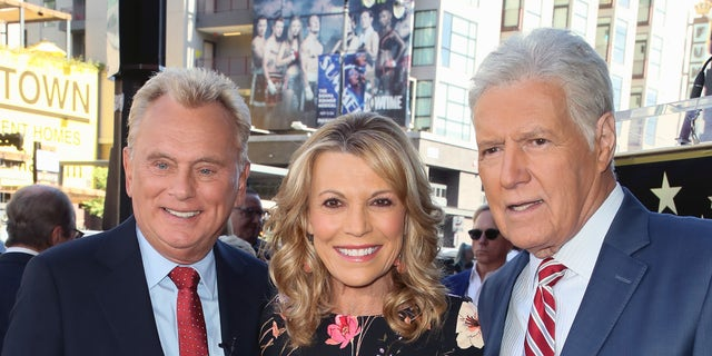 Vanna White gave an update on Alex Trebek's battle with cancer as she fills in for 'Wheel of Fortune' host Pat Sajak.