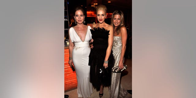 Christina Applegate, Gwen Stefani and Jennifer Aniston attend 2009 Oscar party. (Photo by Kevin Mazur/VF/WireImage for Vanity Fair)