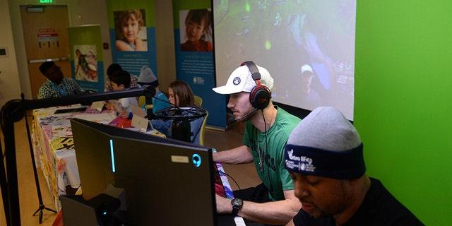 Gordon Hayward plays video games at Boston Children's Hospital for Extra Life November 2, 2019 in Boston, Massachusetts. (Photo by Darren McCollester/Getty Images for Boston Children's Hospital)