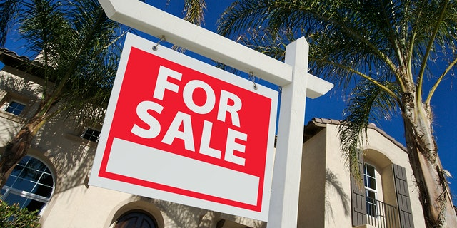 The U.S. is at the beginning of a tidal wave of homes hitting the market on the scale of the housing bubble in the mid-2000s. What happens when so many homes post 'For Sale' signs around the same time? (iStock)