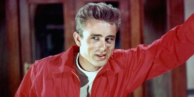 LOS ANGELES - 1955: Actor James Dean poses for a Warner Bros publicity shot for his film 'Rebel Without A Cause' in 1955 in Los Angeles, California. (Photo by Michael Ochs Archives/Getty Images)
