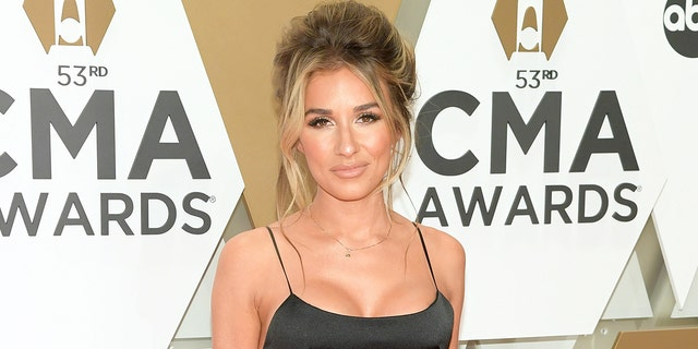 Jessie James Decker is having some fun on Instagram with a hilarious new post.