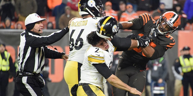Westlake Legal Group Miles-Garrett-helmet-hit-Getty NFL found 'no evidence' Mason Rudolph hurled slur at Myles Garrett, reportedly had no sound from brawl Ryan Gaydos fox-news/sports/nfl/pittsburgh-steelers fox-news/sports/nfl/cleveland-browns fox-news/sports/nfl fox-news/person/myles-garrett fox-news/person/mason-rudolph fox news fnc/sports fnc article 00ece451-1489-5de2-b13f-e74a4d92a5c5