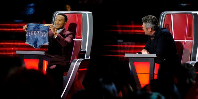 Blake Shelton presented John Legend with a gift on 'The Voice.'
