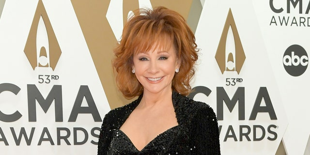 Reba McEntire revealed she avoids political conversations so that she doesn't alienate her fans.