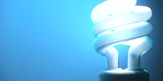 A Kentucky man's warning about a spiral light bulb nearly causing his home to catch fire is as gross as it is shocking. (Photo: iStock)