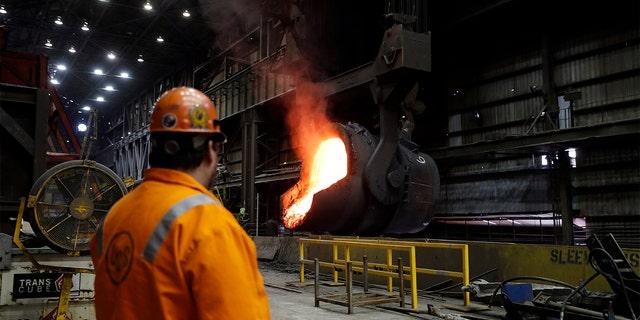 Senior melt operator Randy Feltmeyer at the U.S. Steel Granite City Works facility in Granite City, Ill., in 2018. (AP Photo/Jeff Roberson, File)