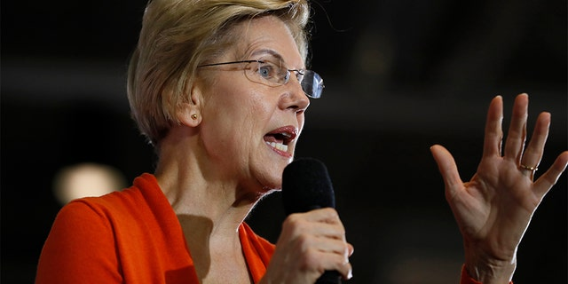 Democratic presidential claimant Sen. Elizabeth Warren, D-Mass., speaks during a city gymnasium assembly during Grinnell College, Monday, Nov. 4, 2019, in Grinnell, Iowa. (AP Photo/Charlie Neibergall)