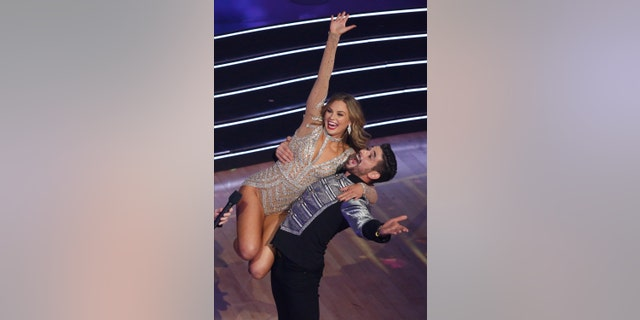 "Hannah Brown, with dancing pro Alan Bersten, took home the mirror ball trophy on ""Dancing With the Stars"" Season 28."