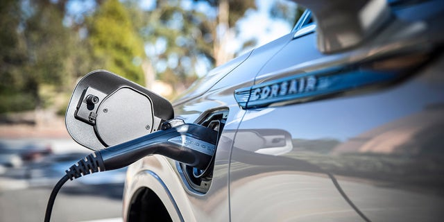 Westlake Legal Group linc2 Electric Lincoln SUV to use Rivian technology, report says Gary Gastelu fox-news/auto/style/suv fox-news/auto/make/lincoln fox-news/auto/attributes/innovations fox-news/auto/attributes/electric fox news fnc/auto fnc article 66e7fc66-fe87-551c-825c-c35b3ebcf23c