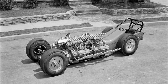 The Tommy Ivo-built Showboat's four motors put out a combined 2,000 hp.